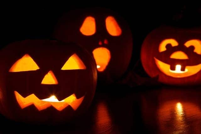 10 Tricks and Treats to Make Your House the Spookiest on the Block 4