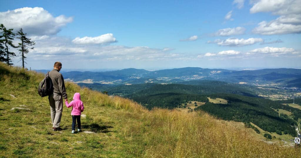 20 Family Hiking Tips For 2020 - a family adventure