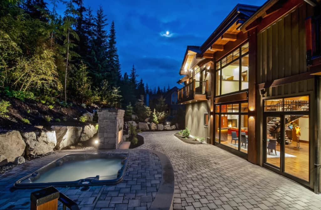 Airbnb Luxury Retreats Perfect For Your Ski Trip