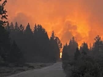 Oregon wildfire displaces 2,000 residents as blazes flare across U.S. West 1