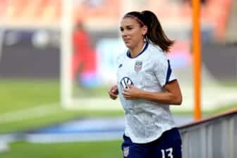 Olympics-US Soccer Player Morgan Confused About Games Policy on Children 2