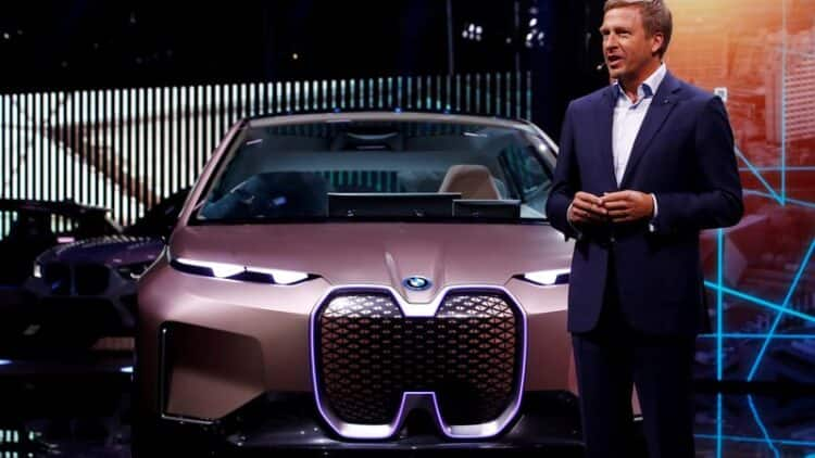 BMW CEO Says Timing is Right to Focus on Electric Cars 15